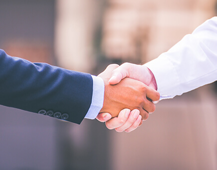 Shake Hands in Agreement with Corporate Governance Policy